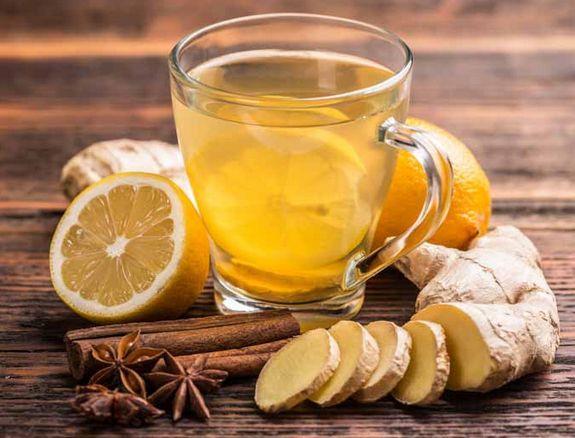 Имбирный чай с медом, лимоном и корицей