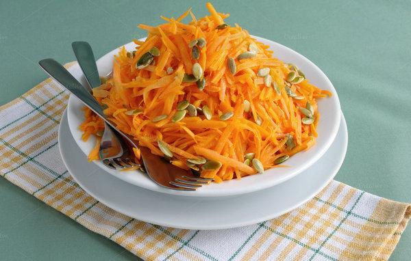 Салат из моркови и тыквы