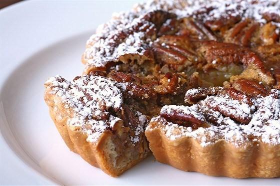 Пекановый пирог с кленовым сиропом