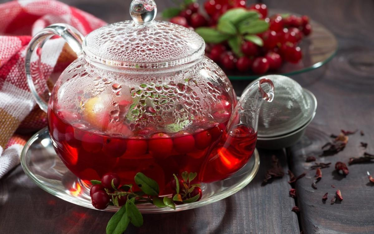 Чай из ягод и листьев