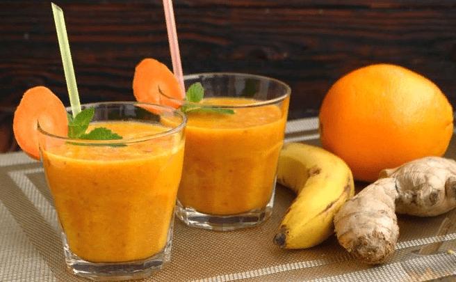 Фруктовый с морковным соком, имбирем, бананом